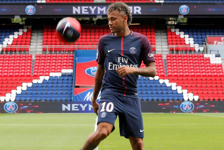 Tupeu uriaş pentru Neymar: plecat la PSG, reclamă Barcelona la FIFA pentru 26 de milioane de euro, comisionul tatălui