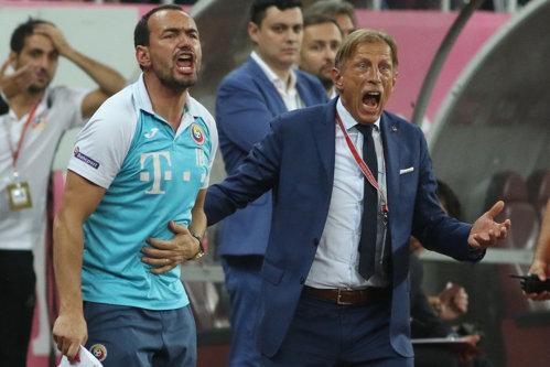 Dat afară de la Naţională, Daum negociază cu cea mai slabă echipă dintr-un campionat modest
