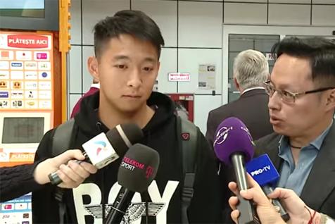 Lu Yuefeng, primul fotbalist chinez din România, a ajuns în ţară. Primul cuvânt pe care l-a rostit în limba română