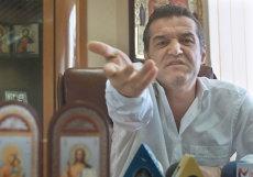 """Reacţia lui Becali, după ce a aflat că naşul său vrea să vândă Viitorul: """"Tu, Hagi, marele Hagi, pe care lumea îl numeşte 'Rege'..."""""""