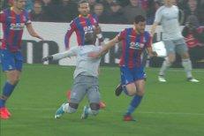 Primul fotbalist din istoria Premier League suspendat pentru simulare. VIDEO cu momentul în care a obţinut un penalty