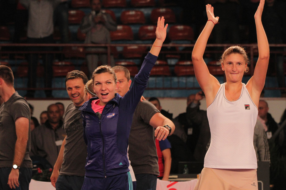 Simona Halep a învins-o pe Irina Begu şi s-a calificat în finala turneului de la Shenzhen