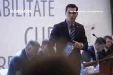 Acuzaţii grave în lupta pentru şefia FRF: În cazul lui Burleanu, vorbim de mită, şantaj, trafic de influenţă