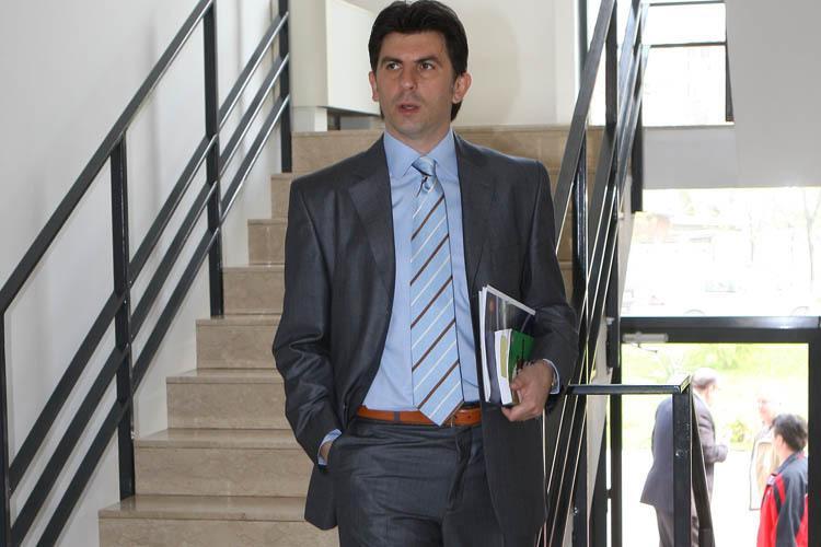 Ionuţ Lupescu se dezice de Mircea Sandu şi Adalbert Kassai: Nu fac parte din echipa mea. I-am chemat din respect