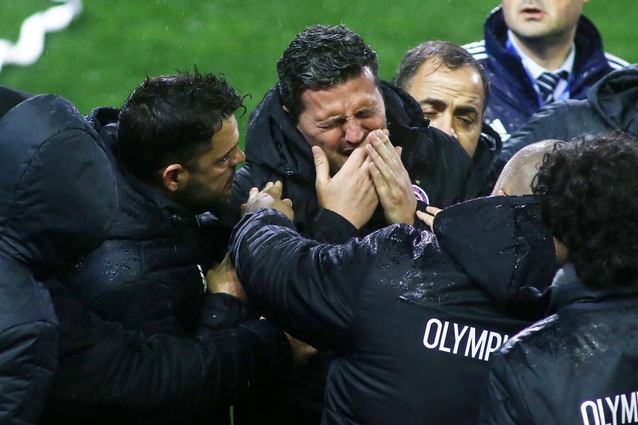 Echipa lui Răzvan Lucescu, măcelărită la Comisii. Ce pedeapsă a primit PAOK după incidentele de la meciul cu Olympiakos