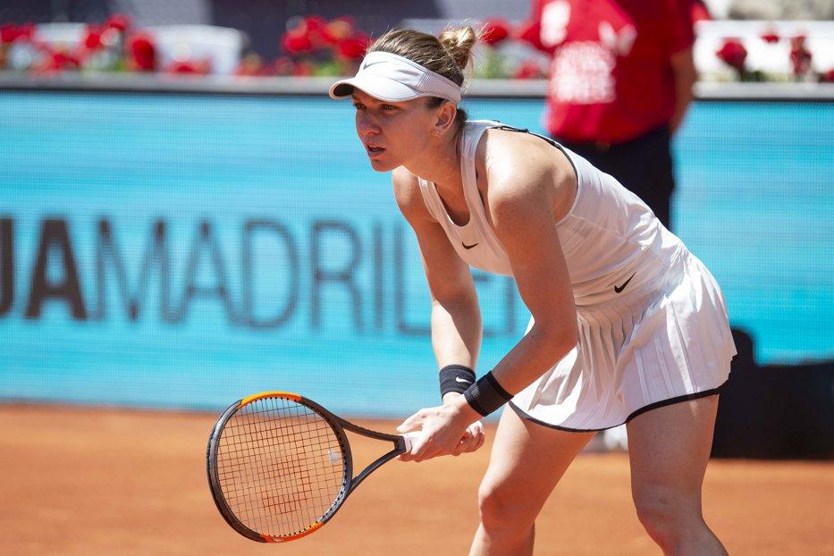 Simona Halep o elimină fără probleme pe Naomi Osaka în turneul de la Roma