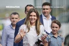 Simona Halep a sosit la Bucureşti cu trofeul Roland Garros