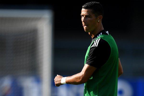 Lovitură după lovitură pentru Cristiano Ronaldo. Fotbalistul, acuzat de VIOL şi...