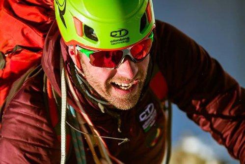 Alpinistul Torok Zsolt, în 2017: Accidentele se întâmplă după erori umane. Muntele nu e un ucigaş / Şeful Salvamont Sibiu, despre accidentul lui Torok Zsolt: Eu cred că s-a desprins o stâncă cu el / Salvamont România, după moartea lui Torok Zsolt: Crestele munţilor sunt mai sărace