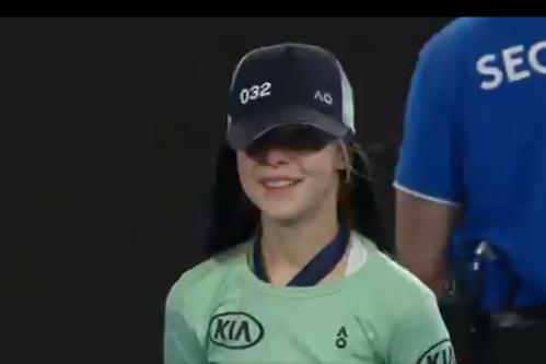 Gestul făcut de Rafael Nadal, după ce a lovit din greşeală un copil de mingi - VIDEO