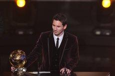 Lionel Messi a câştigat pentru a treia oară consecutiv Balonul de Aur