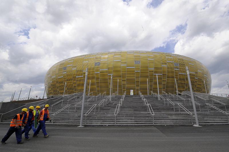 EURO 2012. Oraşele gazdă şi stadioanele pe care vor avea loc meciurile