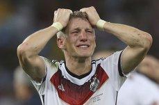 Frumoasa şi Bastian sau Campionatul Mondial cu o lacrimă de sânge sub ochiul drept