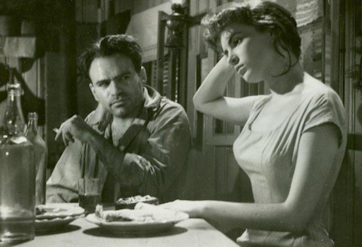 CinemaTePeca: Filmul de sâmbătă seara