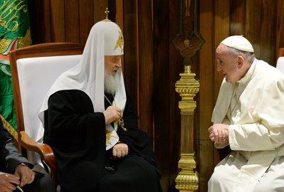 Papa, Patriarhul şi umbra lui Putin