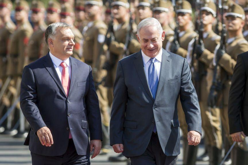 Admirator al lui Horthy, premierul Ungariei se preface că-şi toarnă cenuşă în cap