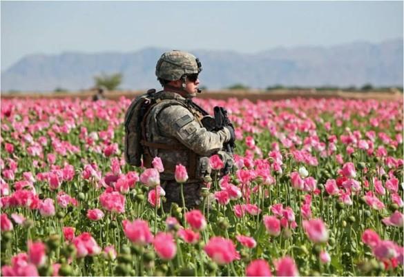 """Trump lansează asupra Afganistanului """"Mama Strategiilor"""""""