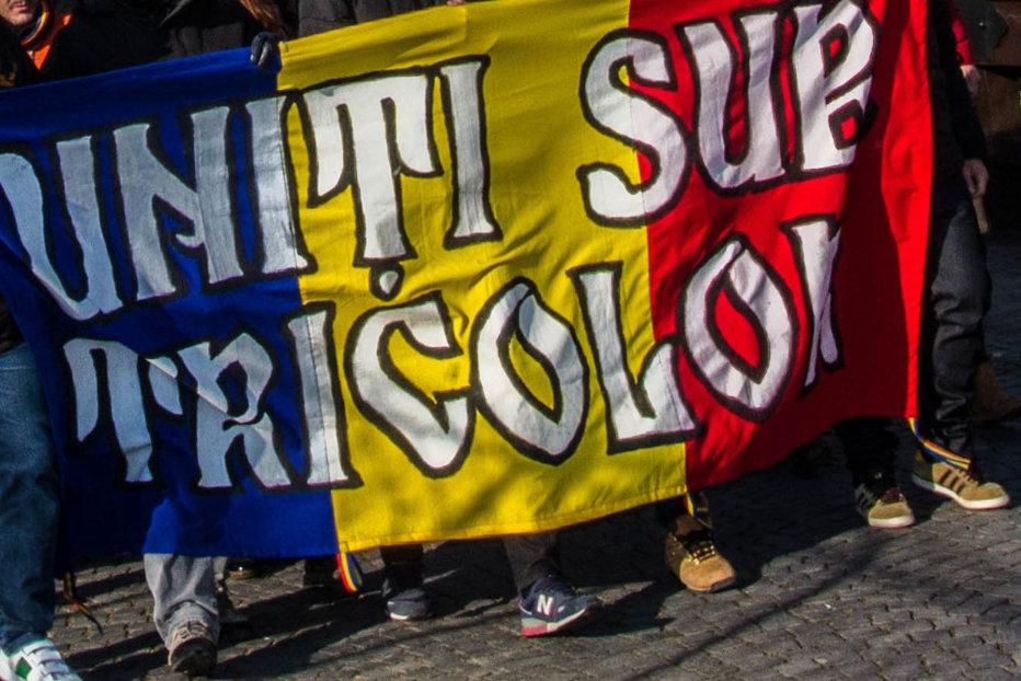 La multi ani, România?! Patria e eternă!