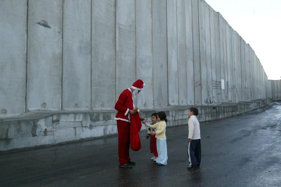 Bucuria Crăciunului, în mijlocul celor mai trişti creştini