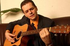 Urmaşul Brătienilor, chitaristul Ludovic, ar trebui să se autodenunţe el pentru înaltă trădare