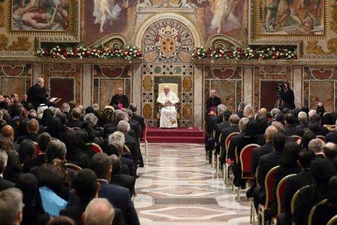 """Şeful statului Vatican despre """"globalizarea sferică"""" şi """"globalizarea poliedrică"""""""