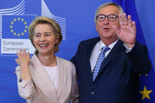 Bătaie între femei la audierile de la Bruxelles! Ursula şi Rovana s-au tras de păr