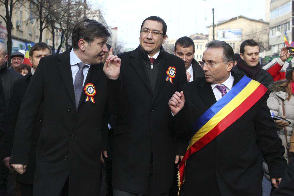 Crin Antonescu, premierul Victor Ponta şi Gheorghe Nichita participă la manifestările prilejuite de împlinirea a 154 de ani de la Unirea Principatelor Române, în Iaşi, joi, 24 ianuarie 2013.