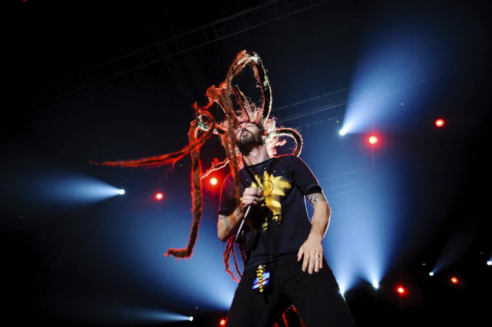 Brian Fair, solistul trupei Shadows Fall, susţine un concert în cadrul evenimentului Metal All Stars, în Pavilionul Central Romexpo din Bucureşti, luni, 24 martie 2014.