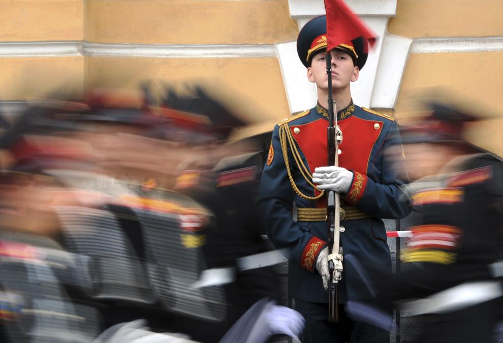 Cadeţi ruşi ce studiază la şcoala militară Suvorov participă la o paradă, luni, 1 septembrie 2014.