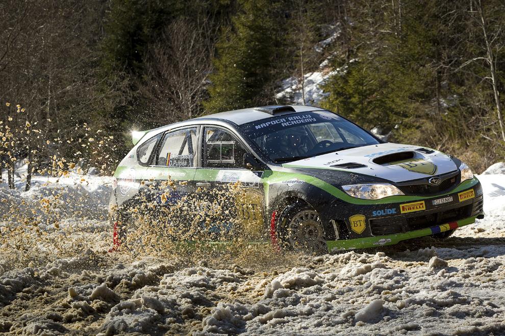 Echipajul Simone Tempestini / Dorin Pulpea participă la Winter Rally Covasna, în Covasna, sâmbătă, 31 ianuarie 2015.