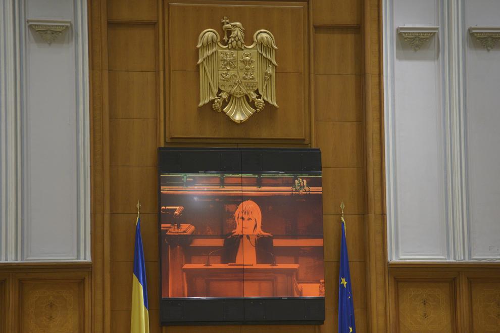 Elena Udrea participa la sedinta Camerei Deputatilor in care se voteaza solicitarile Parchetului de pe lânga Înalta Curte de Casatie si Justitie, de încuviintare a arestarii sale preventive, in Bucuresti, luni, 9 februarie 2015.