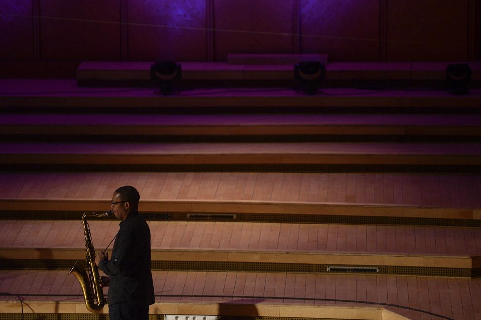 """Ravi Coltrane, fiul jazzistului american John Coltrane şi liderul """"Ravi Coltrane Quartet"""" concertează la Sala Radio din Bucureşti, duminică, 22 februarie 2015."""
