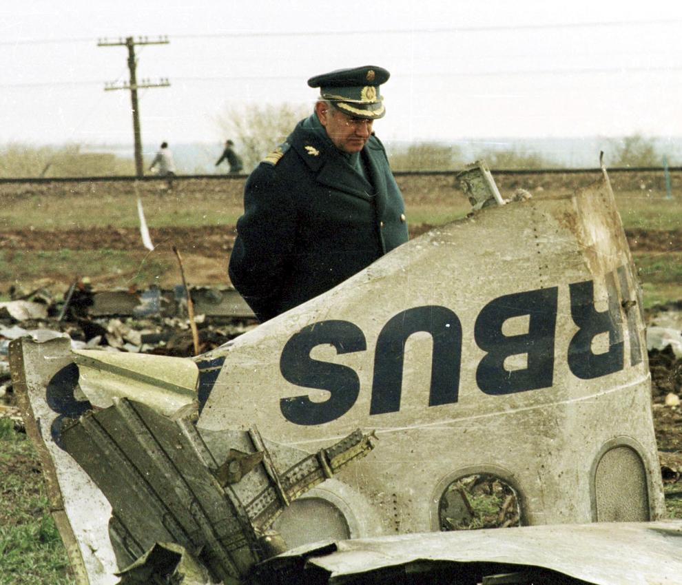 Baloteşti, 1995