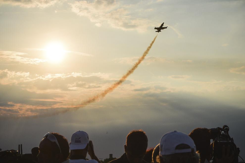Avioane ale echipei de acrobaţie aeriană din Letonia, Baltic Bees, pot fi văzute în timpul spectacolului aviatic de la 'Bucharest International Air Show & General Aviation Exibition 2015 - BIAS 2015', organizat la Aeroportul Internaţional Bucureşti Băneasa 'Aurel Vlaicu', în Bucureşti, sâmbătă, 20 iunie 2015.