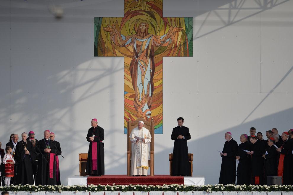 Papa Francisc se adreseaza celor 150.000 de pelerini veniti la Iasi sa-i asculte discursul sustinut in fata Palatului Culturii, in a doua zi a vizitei suveranului pontif in Romania, sambata 1 iunie 2019. ALEXANDRU DOBRE / MEDIAFAX FOTO