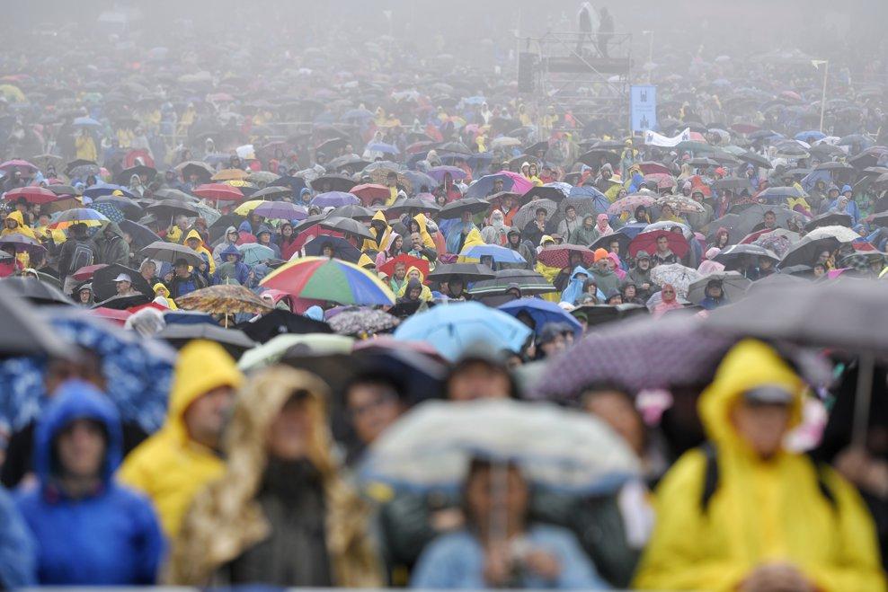 Peste 80.000 de persoane din intreaga lume, participa la Sfanta Liturghie, oficiata de Papa Francisc la sanctuarul marian de la Sumuleu Ciuc, Harghita, sambata 1 iunie 2019. ANDREEA ALEXANDRU / MEDIAFAX FOTO