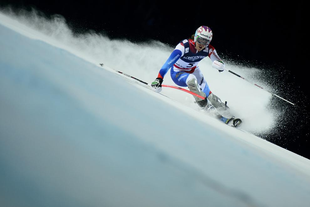 Elveţianul Sandro Viletta trece de o poarta în timpul probei de slalom din cadrul super combinatei, în timpul Campionatului Mondial de Schi, în localitatea austriaca Schladming, luni, 11 februarie 2013.