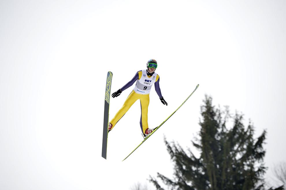 Reprezentantul Austriei, Simon Greiderer, concurează în proba de sărituri cu schiurile din cadrul Festivalului Olimpic al Tineretului European (FOTE 2013), în Braşov, luni, 18 februarie 2013.