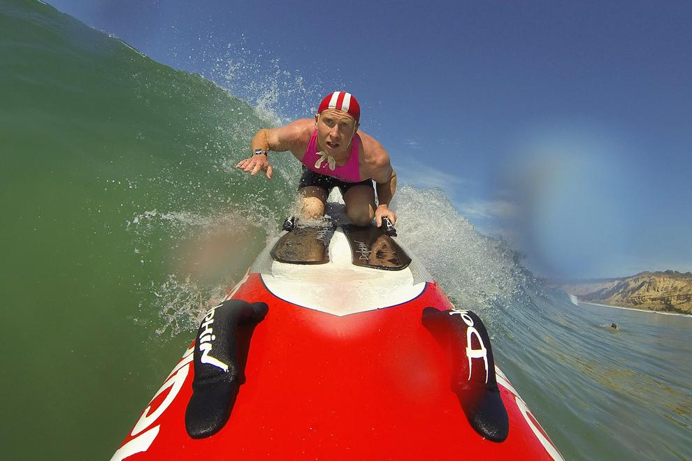 Kelsey Hill de la Portsea Lifesaving Club se pregăteşte pentru o întrecere sportivă, în Anglesea, Australia, duminică, 10 martie 2013.