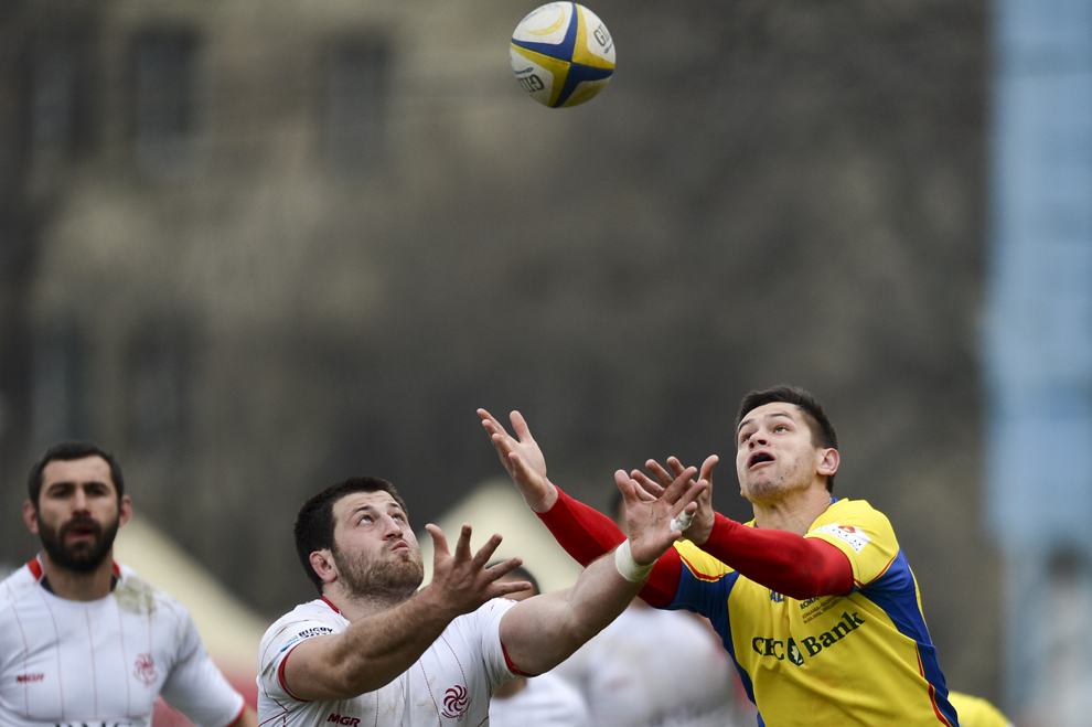 """Imagine din timpul meciului de rugby România - Georgia, din cadrul Cupei Europene a Naţiunilor, pe stadionul """"Arcul de Triumf"""" din Bucureşti, sâmbătă, 16 martie 2013."""
