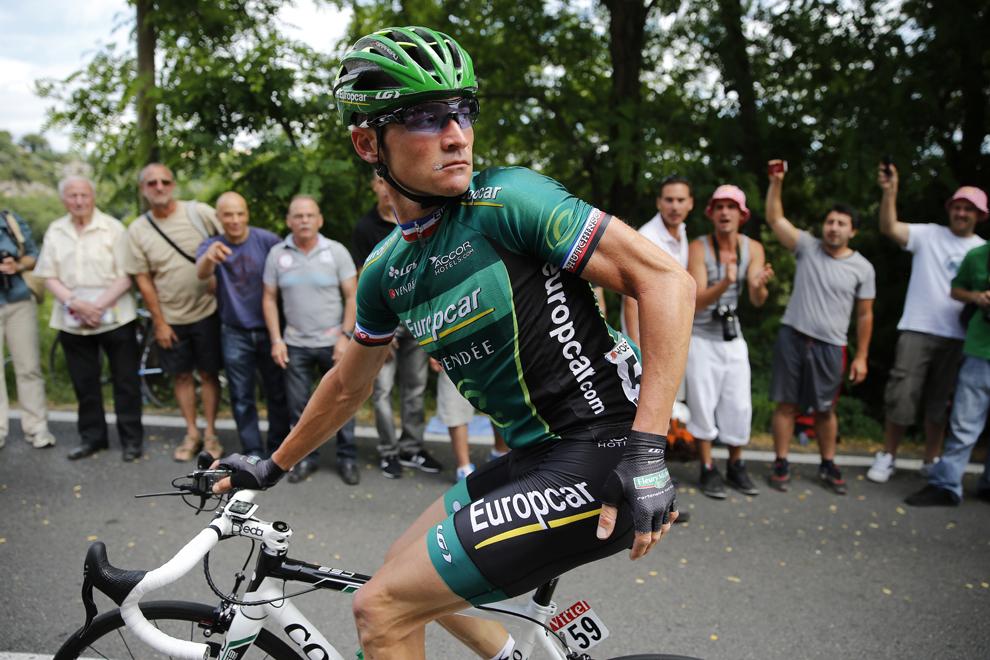 Francezul Thoma Voeckler concurează în cea de-a 5-a etapă a Turului Franţei la ciclism, între Cagnes-sur-Mer şi Marseille, în sudul Franţei, miercuri, 3 iulie 2013.
