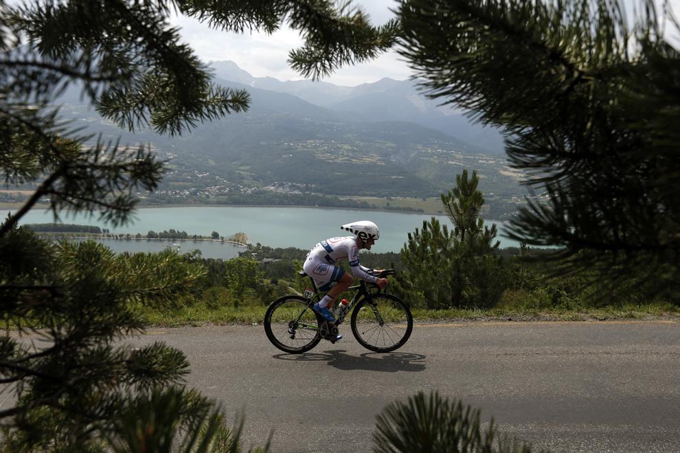 Germanul Johannes Frohlinger pedalează în timpul celei de-a şaptesprezecea etapă a Turului Franţei, între Embrun şi Chorges, sud-estul Franţei, miercuri, 17 iulie 2013.