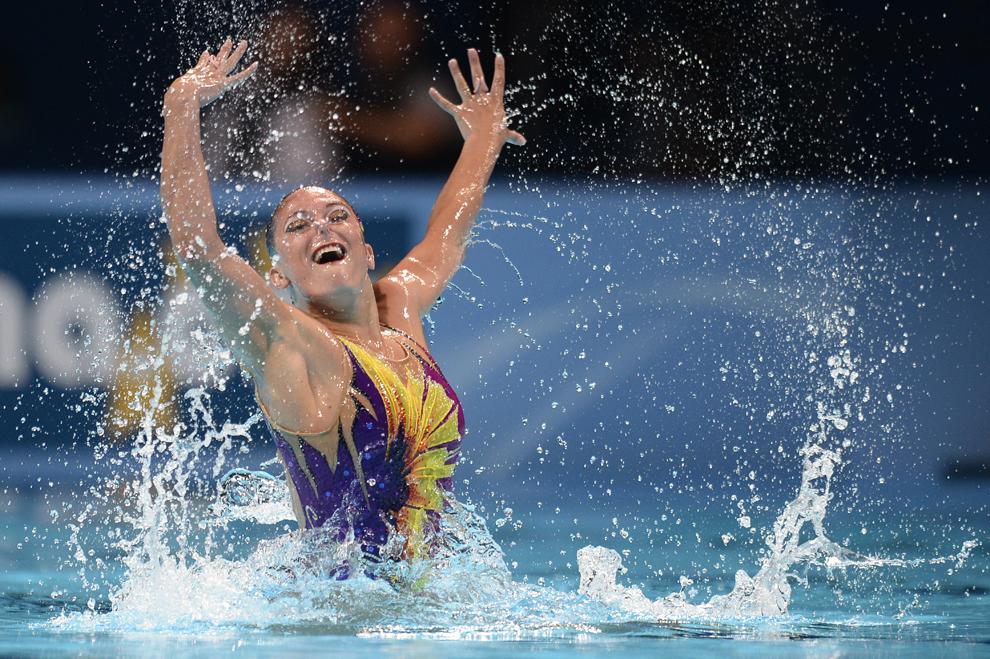 Iryna Limanouskaya din Belarus, concurează în runda de tehnică individuală a preliminariilor competiţiei de înot sincron din cadrul Campionatelor Mondiale FINA, desfăşurate în Barcelona, sâmbătă, 20 iulie 2013.