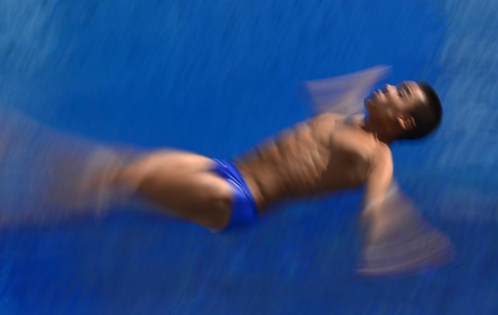 Sebastian Morales Mendoza din Columbia concurează în timpul probei de sărituri în apă, 3 metri – trambulină, din cadrul Campionatelor Mondiale Fina, desfăşurate în Barcelona, miercuri, 24 iulie 2013.