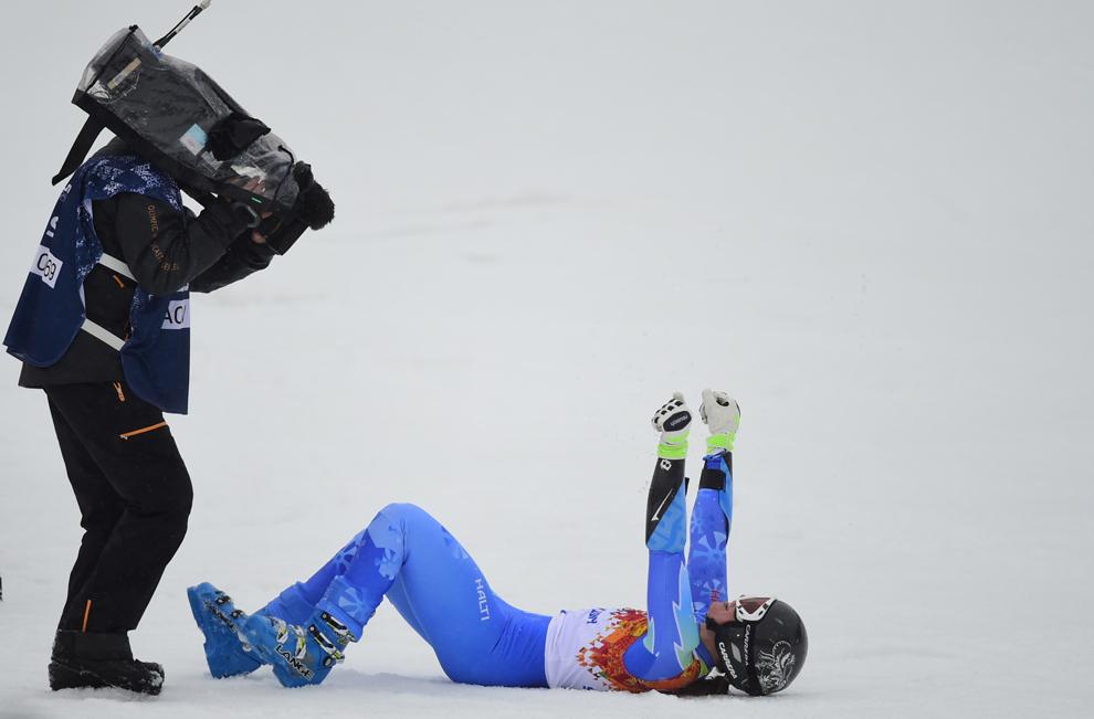 Tina Maze, Slovenia, reacţionează în zona de finish, după ce de-a doua coborâre din cadrul probei feminine de slalom uriaş, în timpul Olimpiadei de Iarnă de la Soci, Rosa Kuthor, 16 februarie 2014.