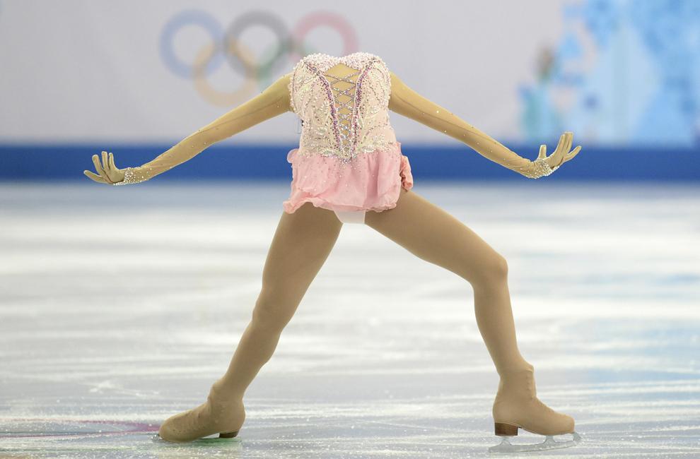 Li Zijun, China, evoluează în proba feminina de patinaj artistic – program liber, din cadrul Jocurilor Olimpice de Iarnă, în Soci, Rusia, joi, 20 februarie 2014.