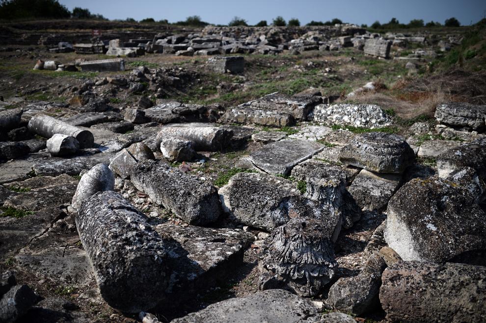 O fotografie realizată duminică, 21 iulie 2013, înfăţişează ruinele coloniei romane Ulpia Oescus, întemeiată în anii 106-109 d.Hr., în apropierea fluviul Dunărea, în Gigen, Bulgaria.