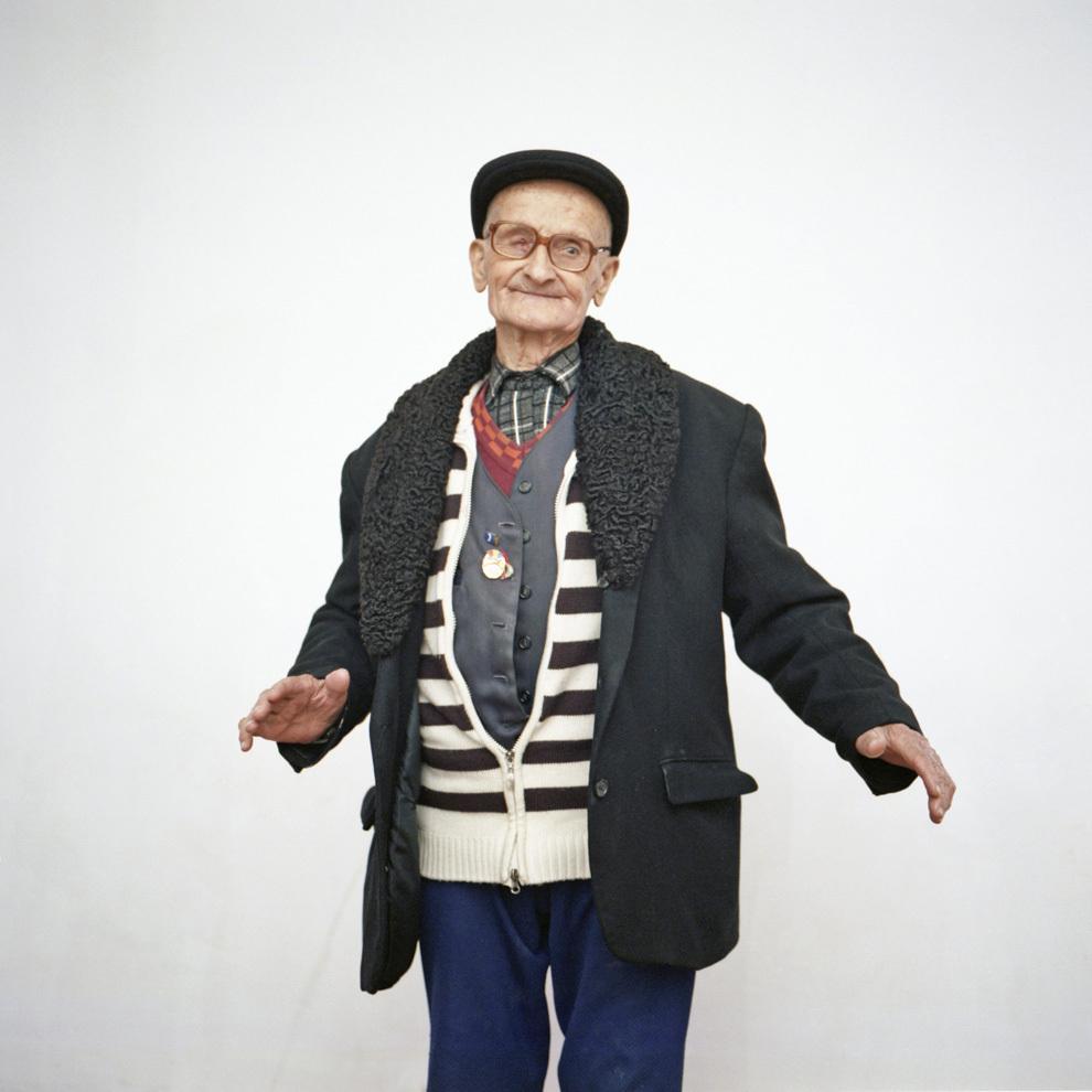 Petrică Aurel, 91 de ani, a lucrat 4 ani într-un lagăr de muncă în Siberia, ca miner. Văidei, Hunedoara.