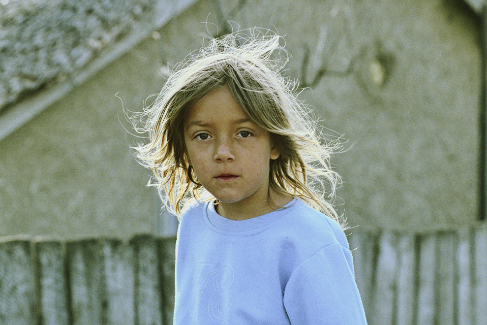 Letea, Irinuca, fiica cea mică, portret în contre-jour.