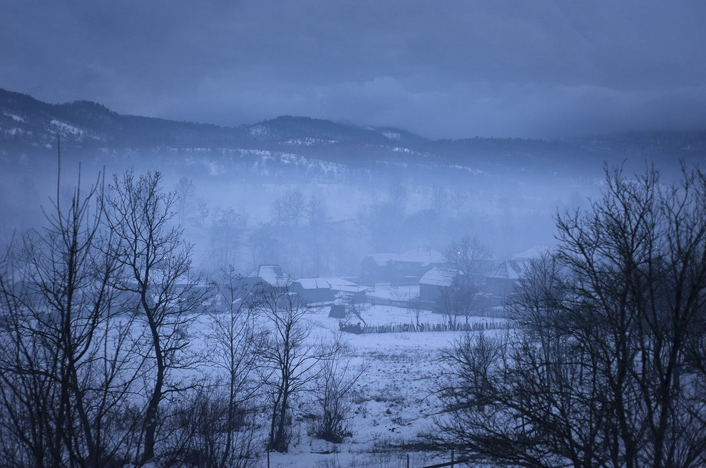 Botiza, Maramureş. Majoritatea tinerilor din acest sat au plecat în Franţa.